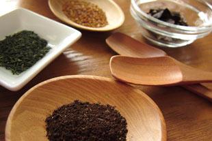 グァバ茶や桑の葉茶に水溶性シリカを入れて